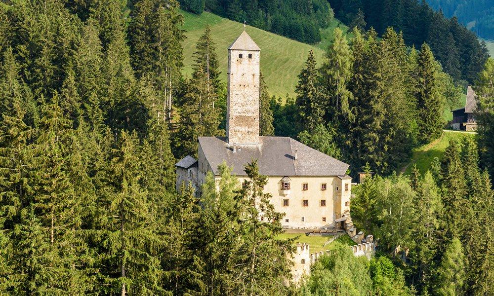 """Passeggiata ricreativa sul """"sentiero di Castel Welsperg"""""""